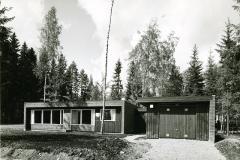 """Omakotitalo """"Kaarila"""",  Puutalo Oy, Tuusulan Asuntomessut 1970, Suomen Tiiliteollisuusliitto ry"""