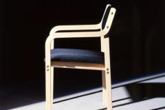 Kari 1 -tuoli