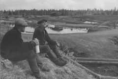Uittajat tauolla, v. 1938, Nokia Oy, puunjalostusteollisuus